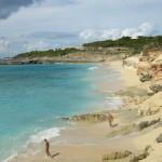 Cupecoy, acantilados y nudismo en San Martín