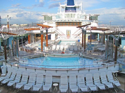 Piscina Celebrity Summit