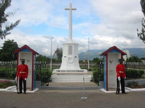Parque Nacional de los Héroes, visita en Kingston