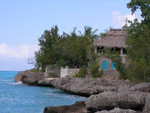 port salut beach house