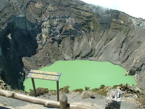 volcan irazu 2