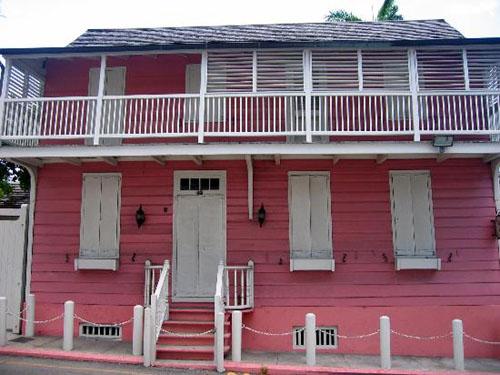 Balcony House, la casa mas antigua de Nassau