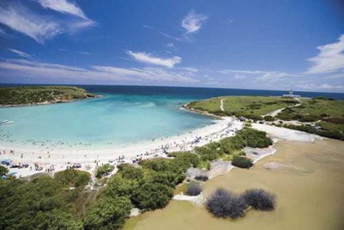 Cabo rojo verde y azul en puerto rico for Turismo interno p r