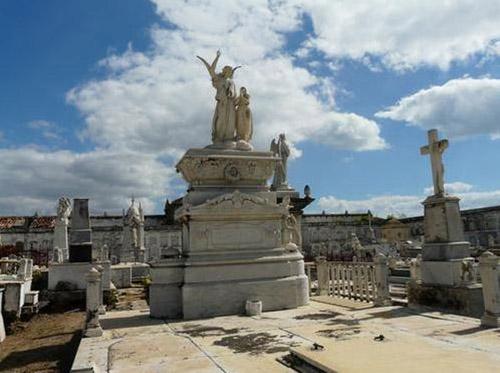 cementerio de la reina