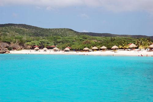 Playas sobre la costa sur de Curazao