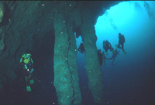 buceo en blue hole