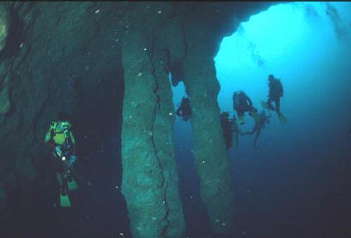 buceo en blue hole