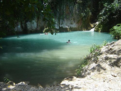 Bassin Bleu, cascadas y estanques en Haití